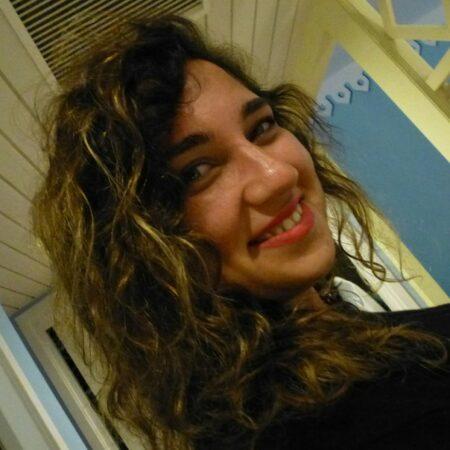 Roxane, 20 cherche une rencontre sans tabou